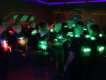 Des parties de laser game – en Anglais – pour encore plus de cohésion entre vos équipes.